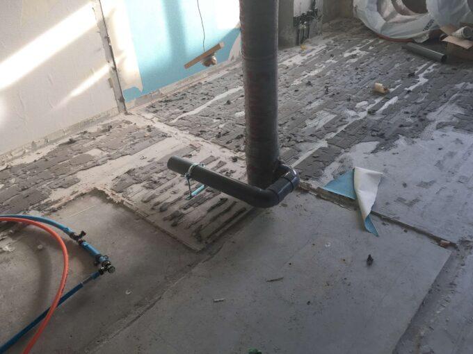 トイレの位置変更に必須な配管設置