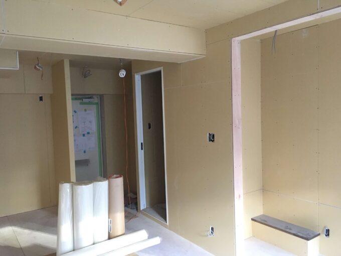 壁作り作業
